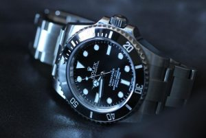 The water resistant replica Rolex Submariner 114060 watches are made from Oystersteel.