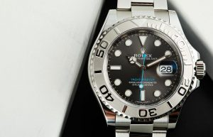 The advanced replica Rolex watches are made from platinum and Oystersteel.