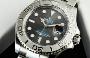 The 40 mm copy Rolex watches have grey dials.