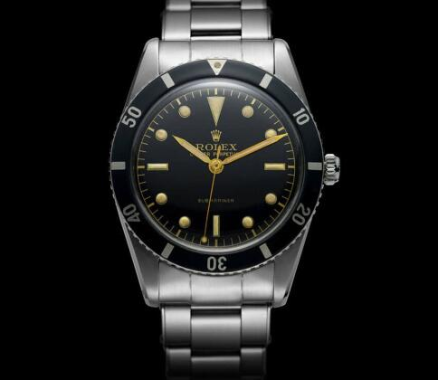 Rolex Submariner has a long history and it becomes one of the most popular diving watches.