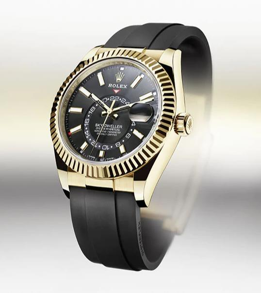 The black dial fake watch has champagne dial.