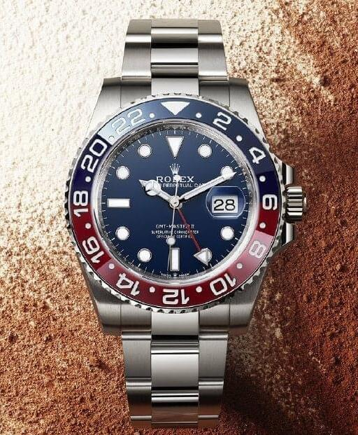 Swiss fake watches look attractive with blue dials.